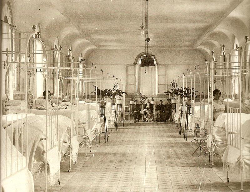 Sala de pago del Hospital de la Princesa. 1910