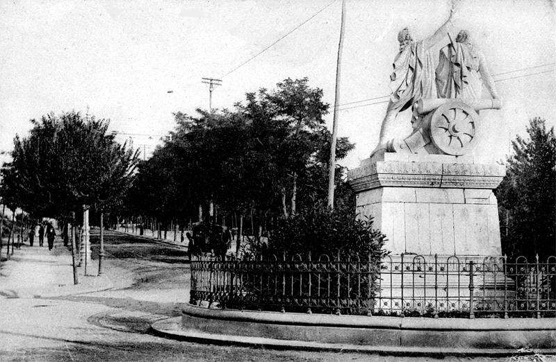 Monumento a Daoiz y Velarde EN Moncloa