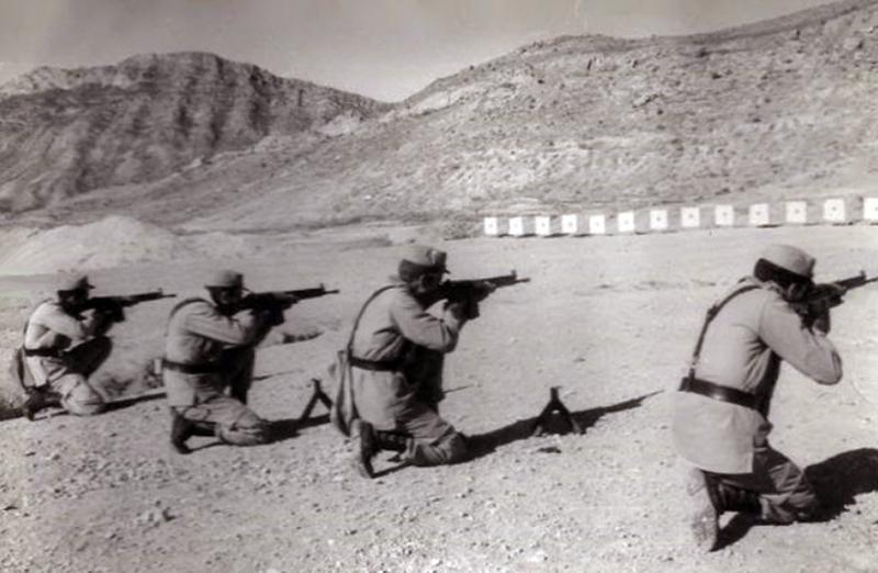 Prбcticas de tiro en el cerro de San Pedro