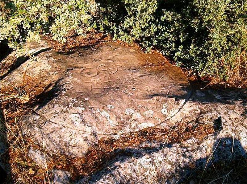 Petroglifo en la Senda de los Cantareros
