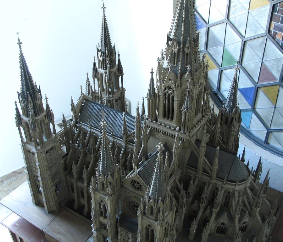 Maqueta de proyecto neogótico del Marqués de Cubas para la catedral de la Almudena