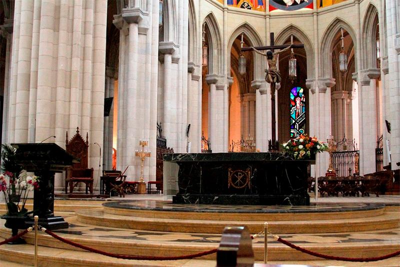 Catedral de la Almudena. Presbiterio