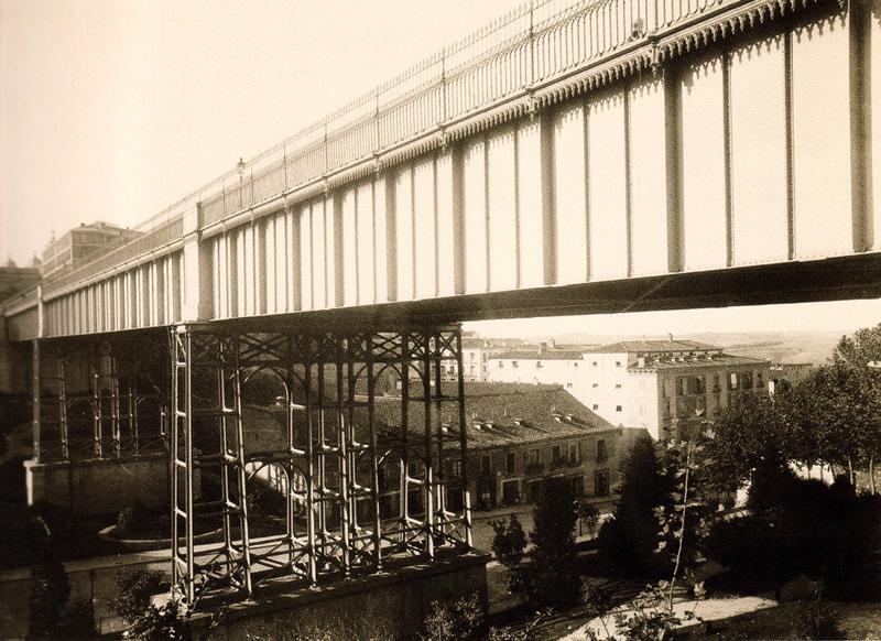 Fotografía del antiguo viaducto
