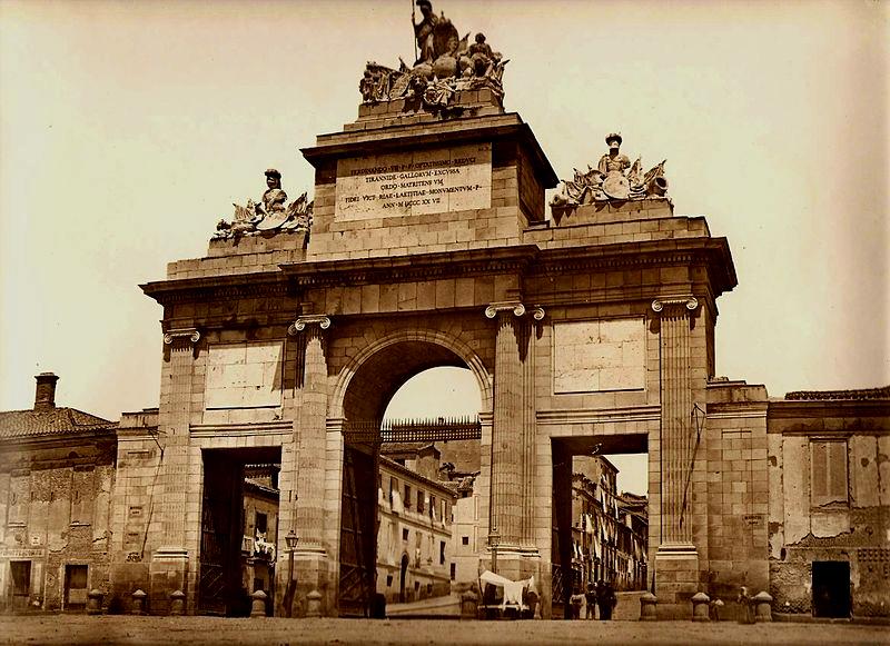 Puerta de Toledo en en 1865