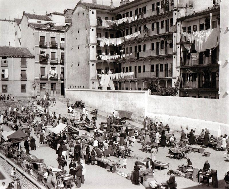 La Corrala de Mesón de Paredes en 1935